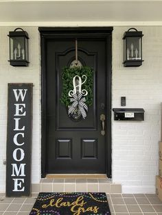 Emotional tested porch and deck Save Money Black Front Doors, Front Door Colors, Front Door Decor, House With Porch, House Front, Front Porch, Front Door Monogram, Monogram Wreath, Monogram Box