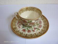 Zsolnay Júlia által tervezett dekor, kávés csésze - 150000 Ft - Nézd meg Te is Vaterán - Csésze, bögre, korsó - http://www.vatera.hu/item/view/?cod=2195519912
