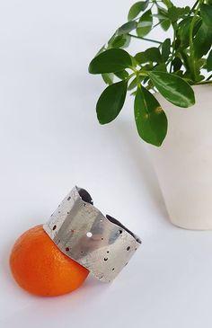Transpose chaos into art in any shape, way or form. You won't regret. Unique Bracelets, Bracelet Making, Sterling Silver Bracelets, Bangles, Organic, Concept, Shapes, Green, Handmade