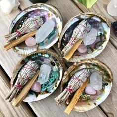 Quartz Rose, Clear Quartz, Quartz Crystal, Crystals And Gemstones, Stones And Crystals, Swarovski Crystals, Quartz Clair, Full Moon Ritual, Witch Aesthetic