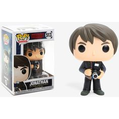 Funko Pop! Stranger Things Jonathan Vinyl Figure (210 MXN) ❤ liked on Polyvore featuring home, home decor, vinyl home decor, vinyl figurines and vinyl figure