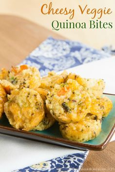 Cheesy Veggie Quinoa Bites - healthy little tots packed with vegetables and cheese that make a perfect healthy snack or side dish. Use any leftovers you have in your fridge!   cupcakesandkalechips.com   gluten free, vegetarian