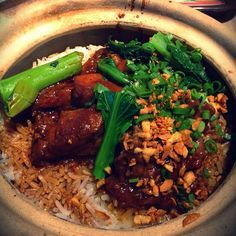 Singapore Food | Recipes: How to cook Claypot Chicken Rice w/Salted Fish