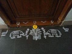 My friend's rangoli on occasion of Varalakshmi vratham. Simple Rangoli Border Designs, Rangoli Borders, Rangoli Patterns, Rangoli Ideas, Rangoli Designs Diwali, Diwali Rangoli, Beautiful Rangoli Designs, Simple Designs, Alpona Design