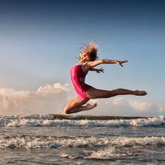 Sea dancers in the magic light of sunrise, photography by Richard Calmes - ego-alterego.com