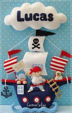 Quiet Book: Awesome looking ship etc. Handmade Toys, Handmade Crafts, Diy And Crafts, Baby Crafts, Felt Crafts, Shower Bebe, Felt Wreath, Felt Baby, Felt Applique