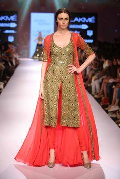 Arpita Mehta's collection at #lakmefashionweek2015