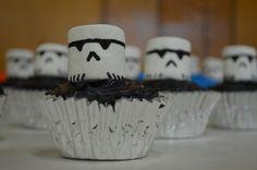 Storm Trooper Marshmallow Cupcakes  #starwars