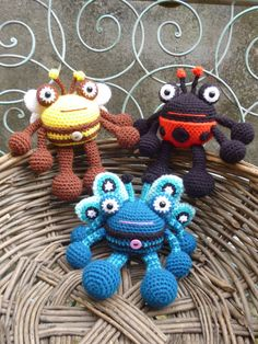 Bumble Bee, Lady Bug and Butter Fly Amigurumi Pattern. Crochet Bugs Set.  Etsy Store Shout Out!  I absolutely love this designer's work.  Take a moment and browse through their store.  ADORABLE WORKS!