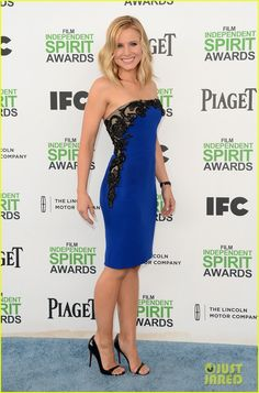Kristen Bell walks the carpet at the 2014 Film Independent Spirit Awards held at the beach on Saturday (March 1) in Santa Monica, Calif.