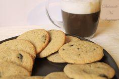 Biscuiti cu ciocolata neagra (fara zahar, fara unt, 100% sanatosi)