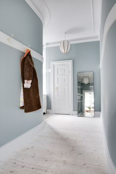 Vitavia foundation x x 6 cm, farge: aluminium, egnet for: Vitavia drivhus Osiris 6 Villa Interior, Apartment Interior Design, Interior And Exterior, Interior Decorating, Hallway Wall Colors, Blue Wall Colors, Colour Architecture, Interior Architecture, Interior Design Inspiration
