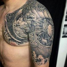 tatuajes de vikingos en el brazo grandes
