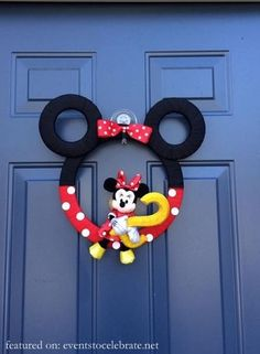 Minnie Mouse Birthday Party Minnie Mouse Wreath for front door Theme Mickey, Mickey Party, Mickey Mouse Birthday, Mickey Minnie Mouse, Mickey Mouse Wreath, Mickey Mouse Crafts, Disney Christmas Decorations, 2nd Birthday Parties, Christmas Trees