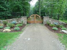 Unilock and natural stone driveway aprons and borders Driveway Apron, Driveway Entrance, Unilock Pavers, Gate Pictures, Fence Gate, Fences, Stone Driveway, Front Entrances, Entrance Gates