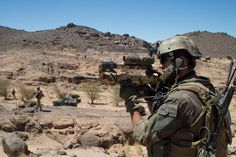 French commandos (Air force and GCP/2ème REP - Foreign Legion) supported by light VBL cars durinf the battle for the Ifoghas mountains, Mali, 02/2013.