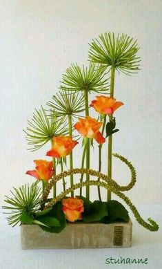 design structure I find fantastic on this Ikebana Contemporary Flower Arrangements, Creative Flower Arrangements, Tropical Floral Arrangements, Flower Arrangement Designs, Church Flower Arrangements, Beautiful Flower Arrangements, Tropical Flowers, Beautiful Flowers, Colorful Flowers
