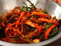 beoseot minari chomuchim (Sweet sour spicy mushrooms and water dropwort: 버섯미나리 초무침)