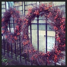 wreath / florist / christmas / winter / berries / rustic