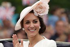 Neviete, ako zhodiť pred letom, či po pôrode? Vyskúšajte tipy vojvodkyne Kate Middleton. Pozrite sa na jej kráľovský jedálniček. Kate Middleton, Beauty Recipe, Vojvodkyňa Kate, Delena, Cholesterol, Detox, Food And Drink, Health Fitness, Hair Beauty