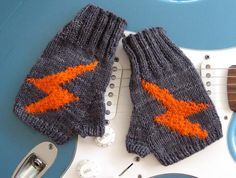 musogloves2web1 Free pattern for when i am in a superhero mood
