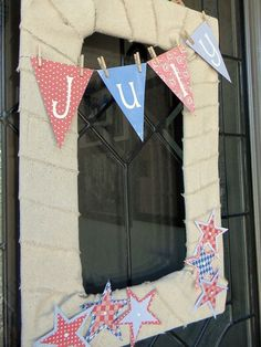4th of July Decor - Organize and Decorate Everything- this works very well