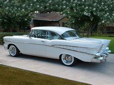 Vintage Cars Classic 1957 Chevrolet Bel Air HT White w Wire Wheels Chevrolet Bel Air, 1957 Chevy Bel Air, Chevrolet Impala, Chevy 3100, Chevrolet Trucks, Chevy Classic, Best Classic Cars, Classic Style, Vintage Cars