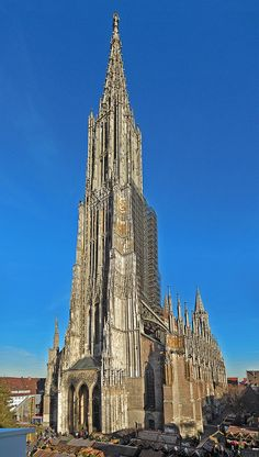 Ulmer Münster - tallest of the Gothic cathedrals Cathedral Architecture, Romanesque Architecture, Sacred Architecture, Cultural Architecture, Religious Architecture, Education Architecture, Classic Architecture, Amazing Architecture, Landscape Architecture