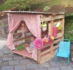 Een speelhuis gebouwd van pallets. Dit ziet er echt comfortabel uit en ik denk dat p ...