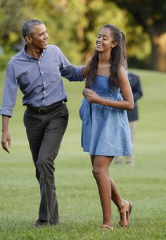 9 Top Looks Of Barack Obama's Daughter Malia Obama Only For You! Michelle Obama, Barrack And Michelle, Malia Obama, Barack Obama Family, Obama President, Obama Daughter, First Daughter, Obama Photos, Presidente Obama