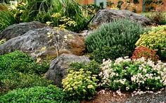 Pictures of fake rocks, artificial rocks and boulders. Browse images of fake rocks and boulders for gardens. Landscaping With Boulders, Mailbox Landscaping, Landscaping Near Me, Garden Landscaping, Rock Wall Gardens, Artificial Rocks, Fake Rock, Cottage Garden Design, Ponds Backyard