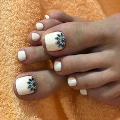 Ideas Simple Pedicure Ideas Toenails Pretty Toes For 2019 Pretty Toe Nails, Cute Toe Nails, Pretty Toes, Gorgeous Nails, Pedicure Nail Art, White Pedicure, Toe Nail Color, Toe Nail Art, Hair And Nails
