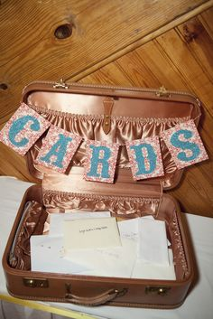 Gift cards in vintage suit case. Totally doing this.