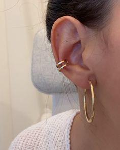 Aún no conocías nuestros earcuffs dobles? 🙈¡Porque son lo máximo! 💥Atrévete a combinarlos con aros más grandes y crea combinaciones tan ideales como esta ✨✌🏼¡Todos disponibles en Silver! ❤ Gold Plating, Doubles Facts, Color Combinations, Silver, Stud Earrings, Accessories