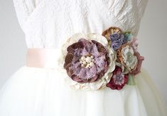 Floral Bridal Belt - Purple and Rose Gold Fabric Flowers Fabric Flower Pins, Fabric Flower Tutorial, Bridal Sash, Wedding Sash, Bridal Belts, Wedding Belts, Fleurs Style Shabby Chic, Rose Gold Fabric, Bride To Be Sash
