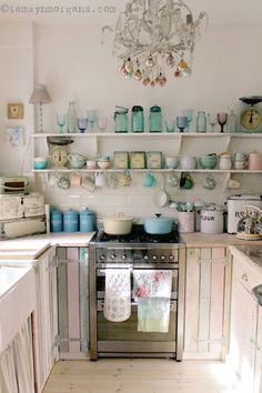 Romantic Shabby Chic Cottage Decoration Ideas 55