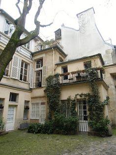 Laërte, le père d'Ulysse: COUR DU COMMERCE SAINT-ANDRE - PARIS - VIème arrondissement.