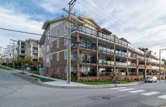 https://placerealestate.ca/downtown-vancouver-condos/yaletown/yaletown-happy-hour