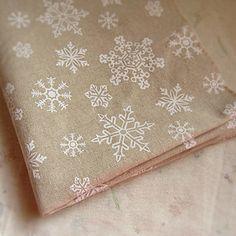 háttér Linen Fabric, Cotton Fabric, Fabric Pictures, White Fabrics, True Beauty, Sewing Crafts, Snow White, Inspiration, Arts