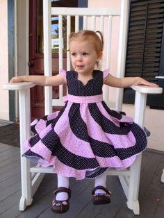 Baby Dress Design, Baby Girl Dress Patterns, Skirt Patterns Sewing, Little Girl Dresses, Toddler Girl Outfits, Toddler Dress, Kids Outfits, Baby Girl Fashion, Kids Fashion