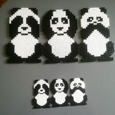Animals his pandas love – Bügelperlen – Hama Beads Perler Bead Designs, Perler Bead Templates, Hama Beads Design, Diy Perler Beads, Perler Bead Art, Pearler Beads, Fuse Beads, Fuse Bead Patterns, Perler Patterns