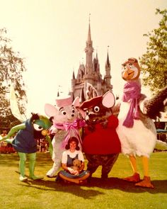 "Vintage picture of characters from ""The Rescuers"" — Evinrude, Miss Bianca, Bernard, Orville and Penny. No child today visiting Disneyland would know who these characters are. Disney Cast, Old Disney, Disney Love, Disney Stuff, Disney Parks, Disney Pixar, Manga Anime, Disney World Characters, Face Characters"