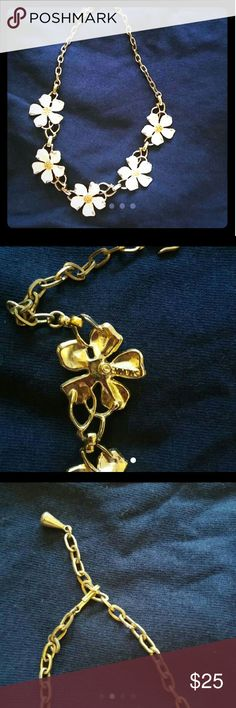 DOGWOOD EMMONS NECKLESS Awesome the 4th pic is just for reference. Emmons Jewelry Necklaces