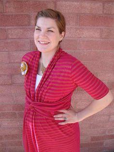 DIY Maternity Dress/ Nursing Dress The Best DIY Tutorials for Nursing Bras, Nursing Tanks and Nursing T-shirts on the web. ..