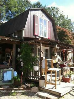 Who could resist a visit to this amazing store called Two Old Birds in Raleigh North Carolina?  Not me, I can't wait