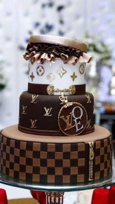 All women should have a cake like this once