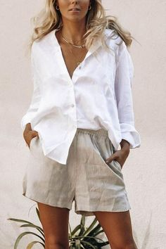 , Summer Outfits , White linen button down with beige linen shorts Source by emcik. Mode Outfits, Short Outfits, Casual Outfits, Fashion Outfits, Womens Fashion, Stylish Summer Outfits, Casual Clothes, Skandinavian Fashion, Silk Underwear