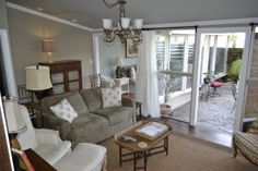 Vacation rentals in Savannah! All the properties are located within the 2 square miles of Savannah's historic district, making them within walking distance to all the shops, restaurants, and other activities that draw over 12 million visitors to Savannah every year. Two of the properties actually sit above the famous Mrs. Wilkes' Dining Room, a must-do for any Savannah itinerary.