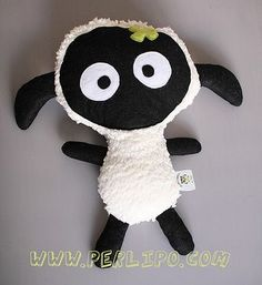 Tuto et patron gratuit de mon doudou mouton - Sewing Toys, Baby Sewing, Free Sewing, Softies, Plushies, Cute Lamb, Sheep Crafts, Fabric Toys, Sock Animals