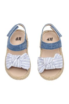 Canvas sandals with a decorative knot at front tab with hook-loop fastener and braided jute trim around soles. Canvas lining canvas insoles and rubber soles. Cute Baby Shoes, Baby Girl Shoes, Cute Baby Clothes, Baby Shoes For Girls, Toddler Shoes, Kid Shoes, Girls Shoes, Little Girl Outfits, Kids Outfits